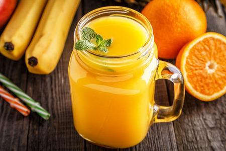 Ginzengben gazdag narancsos smoothie