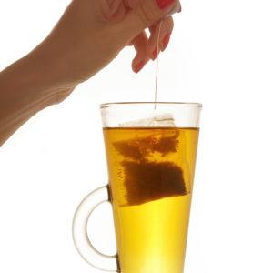 Ízletes és kellemes illatú erdei gyümölcsös tea férfiaknak