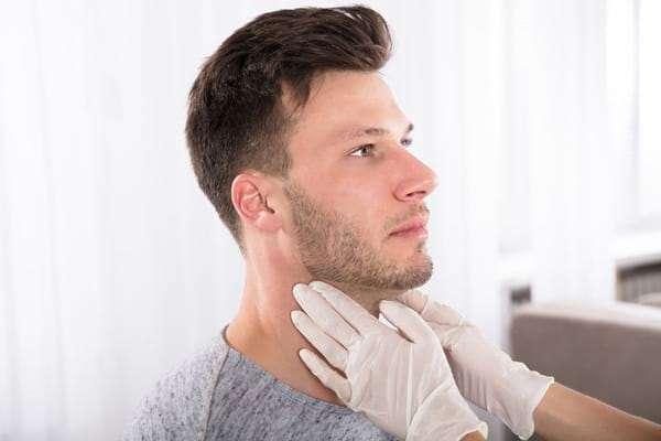 Pajzsmirigy alulműködés tünetei merevedési zavart okozhatnak!